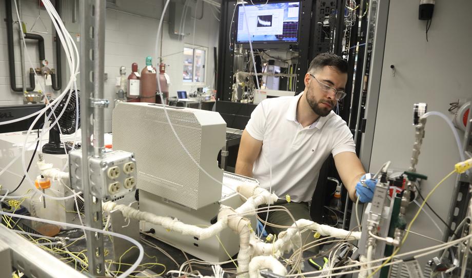 Carlos Weiler Epling lab.jpg