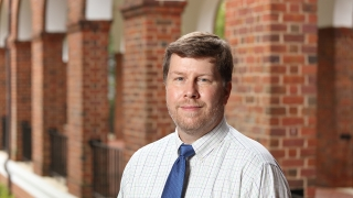 Chris Hellings faculty portrait