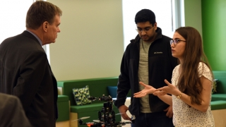 U.S. Sen. Mark Warner, D-Va., left, made an official visit to UVA Engineering in April 2018 to tour the Link Lab