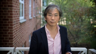 Portrait of Commonwealth Professor of Physics Seung-Hun Lee